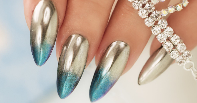 Chrome Mirror Nail Powder – A Stunning Look For Your Nails